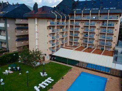Hotel-Oroel-exterior-dron
