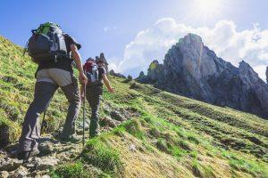 los-evidentes-beneficios-del-senderismo-y-los-7-ejercicios-que-te-ayudan-a-prepararte